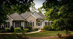 What's Included in a Full Lawn Care Service?